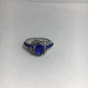 Jewelry - Blue Stone Silver Ring Size 6 (089)